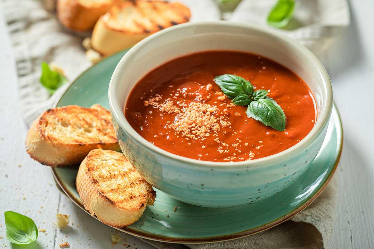 receta crema de tomate y albahaca