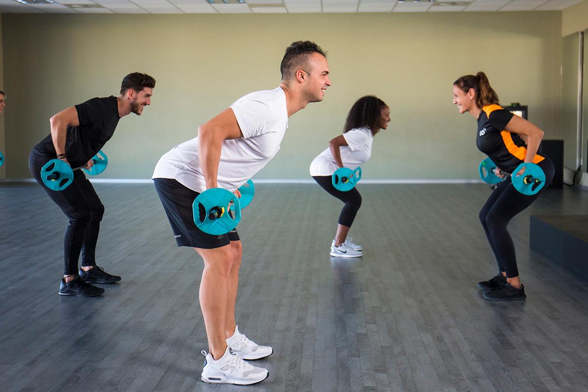 Grupo entrenando