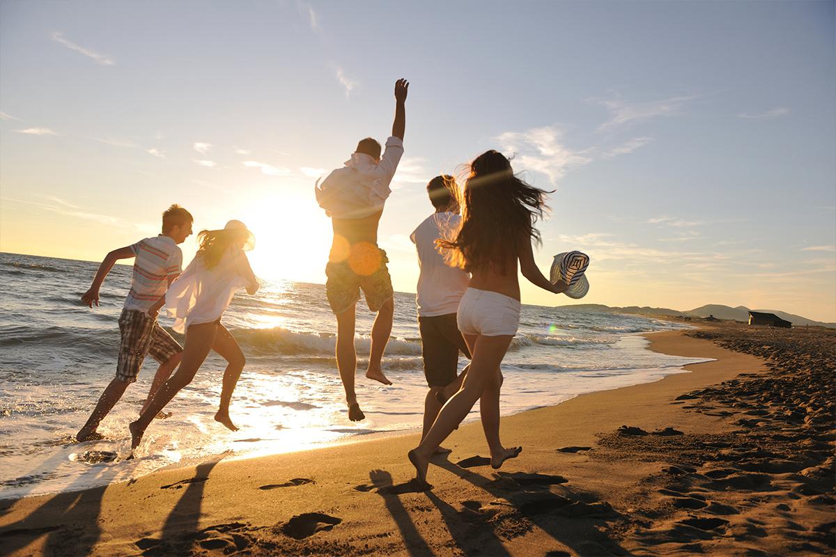 Planes con amigos en la playa