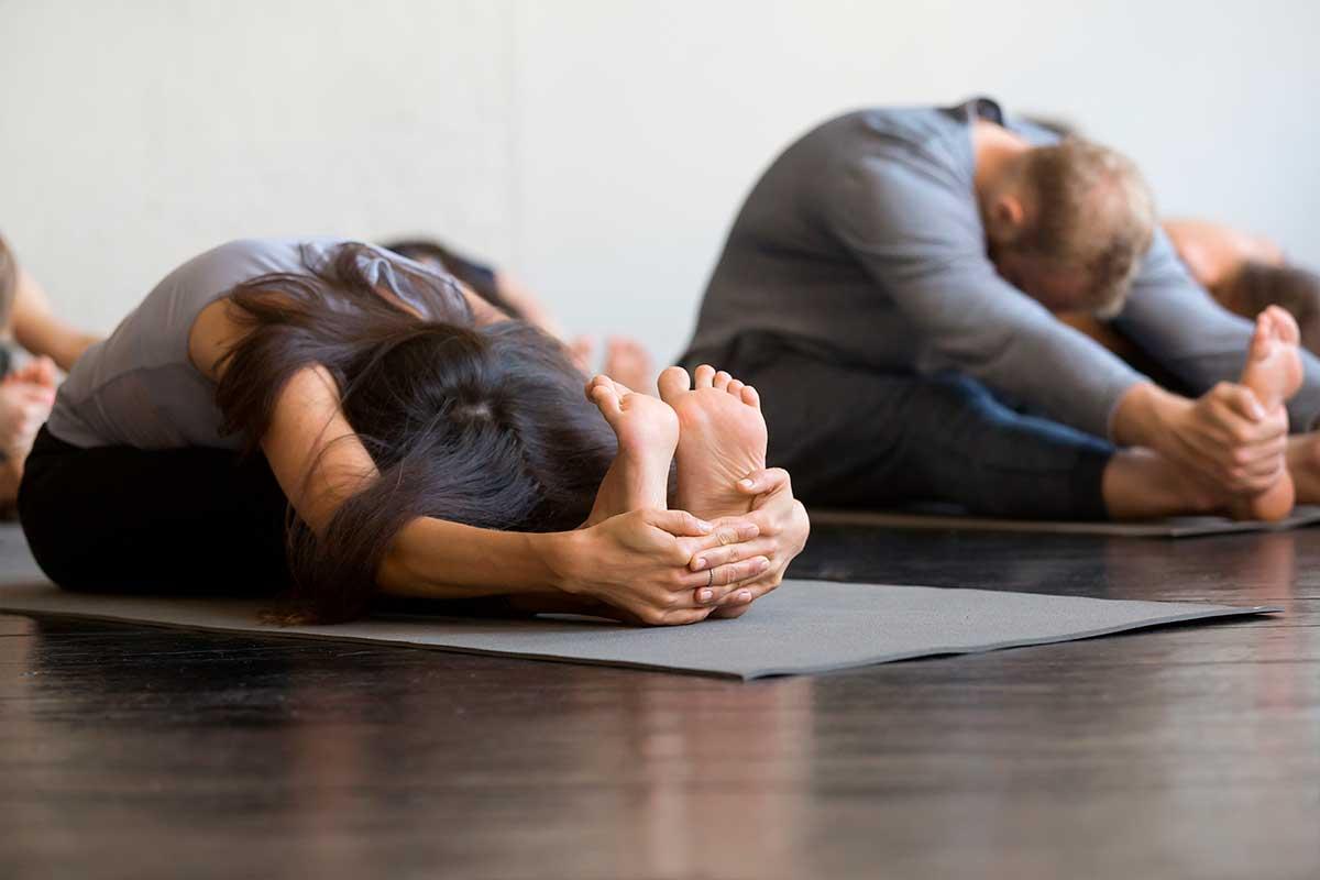 Practica tu respiracion con Yoga